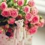 Двадцать алых роз + игрушка медвежонок